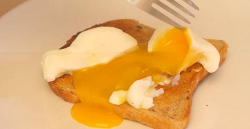 Trứng chần