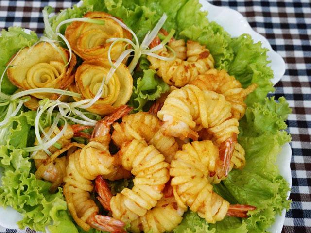 Khoai tây cuộn tôm