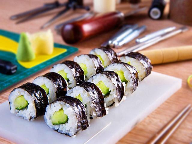 sushi dưa chuột