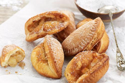 Bánh rán nhân táo