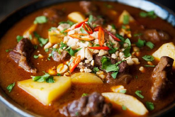Cà ri bò kiểu Thái