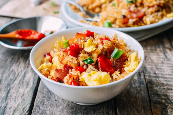 cơm rang trứng và thịt muối