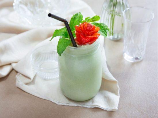 Giải khát với sinh tố kem trà xanh thơm ngon, mát lạnh