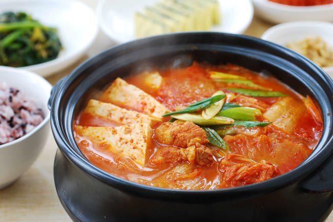Cách nấu canh kim chi kiểu Hàn Quốc tại nhà