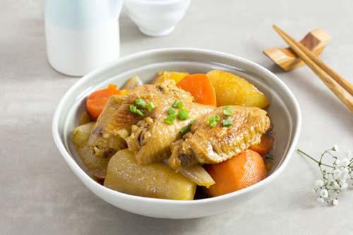 cánh gà hầm củ cải