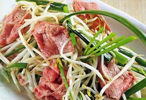 thịt bò xào giá lá hẹ