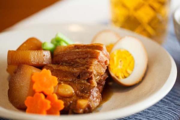 thịt kho Hồng Kông